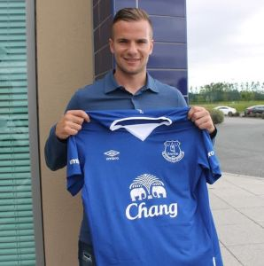 Tom-Cleverley-presented